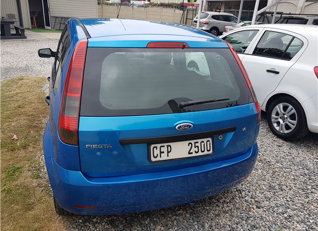 Ford Fiesta 1.4i 5-door full